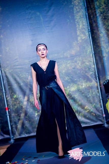 218964f7a246af А завершили модні покази рівненського тижня моди «Fashion Time» колекції  жіночого та чоловічого одягу від всесвітньо відомого дизайнера Андре Тана.  Відтак, ...