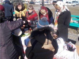 На Рівненщині активісти зібрали 16 тисяч гривень для військових